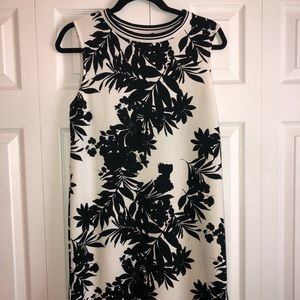 Dresses & Skirts - Black and white floral dress